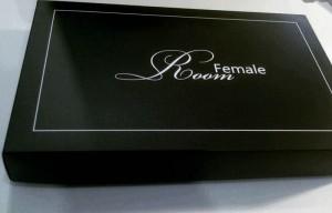 Картонная обувная коробка