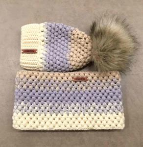 Кожаные бирки на шапке